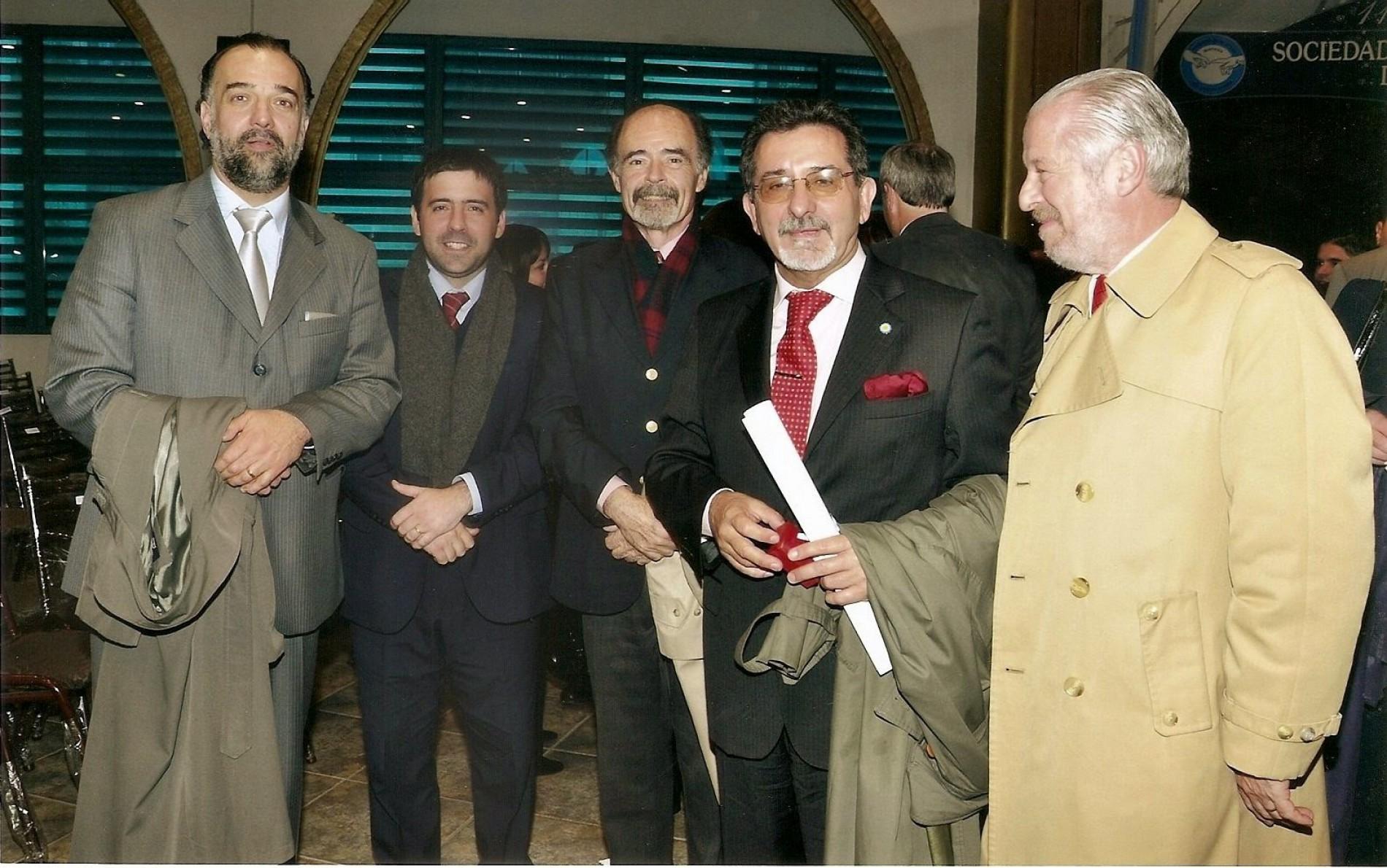 Entrega del premio anual del C.A.L.M. al Dr. Joaquín Pedro da Rocha
