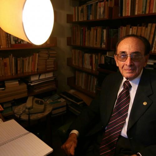 Rechaza la Justicia un amparo que presentó la oposición en defensa del juez de la Corte Carlos Fayt